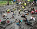 فريق يلافورما يشارك فى مسابقة Tough Mudder فى كاليفورنيا- امريكا